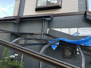 台風被害 テラス屋根 設置前